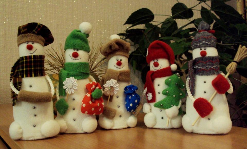 Снеговики на новый год своими руками фото